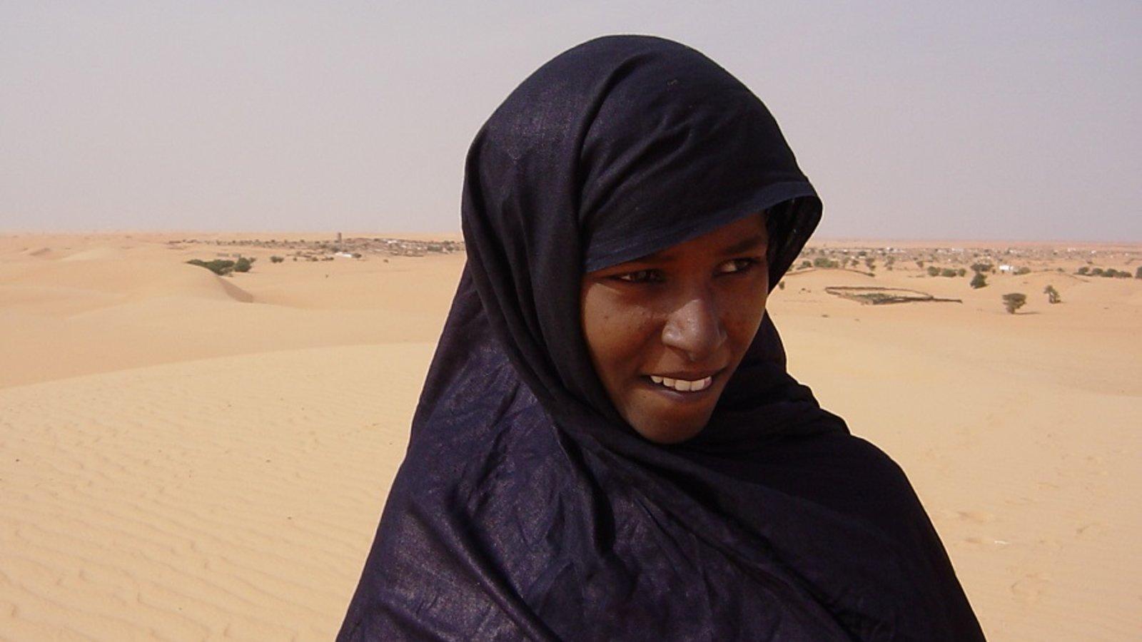 Women of the Sand - Nomad Islamic Women