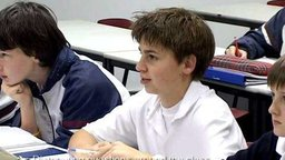 Distributing Questions around the Class (Classroom Footage)